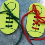Apprendre à lacer ses chaussures