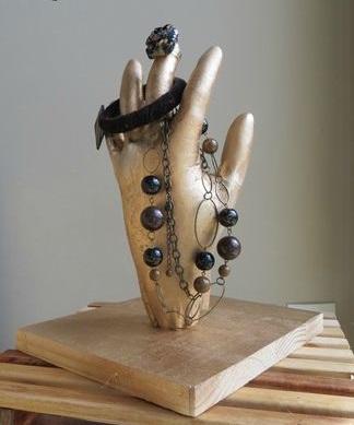 Fabriquer un porte bijoux en forme de main - Rangement bijoux fait maison ...