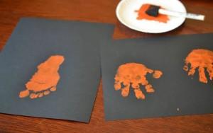 empreinte pied main peinture