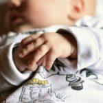 Enfant malade, que faire en cas de température élevée ?